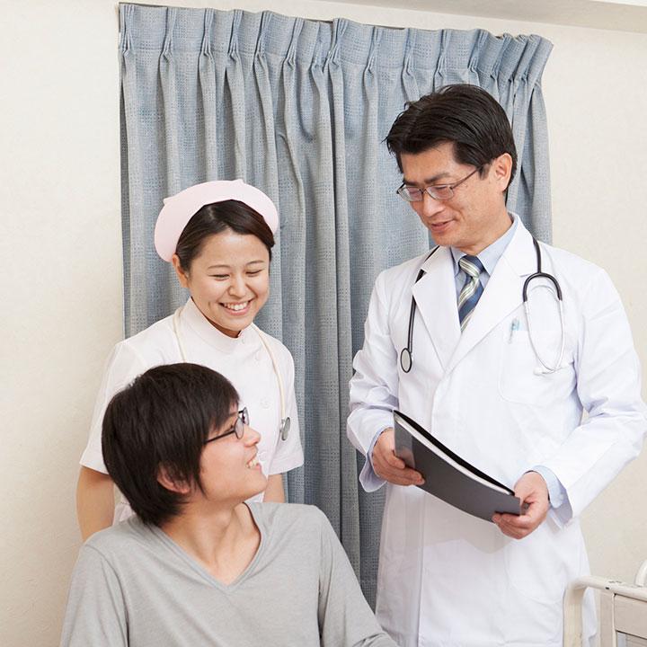クリニックや介護施設での働き方